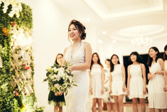 Mộng thấy cô dâu tung hoa cưới