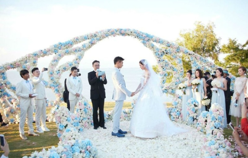 Mộng thấy mình làm phù dâu trong đám cưới của người yêu cũ